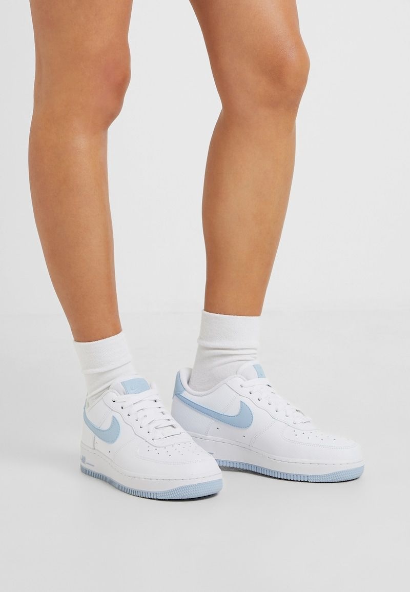 Nike Sportswear Air Force 1 07 Sneakers Laag White Light Armory Blue Zalando Nl Nike Sportkleding Sneaker Nike