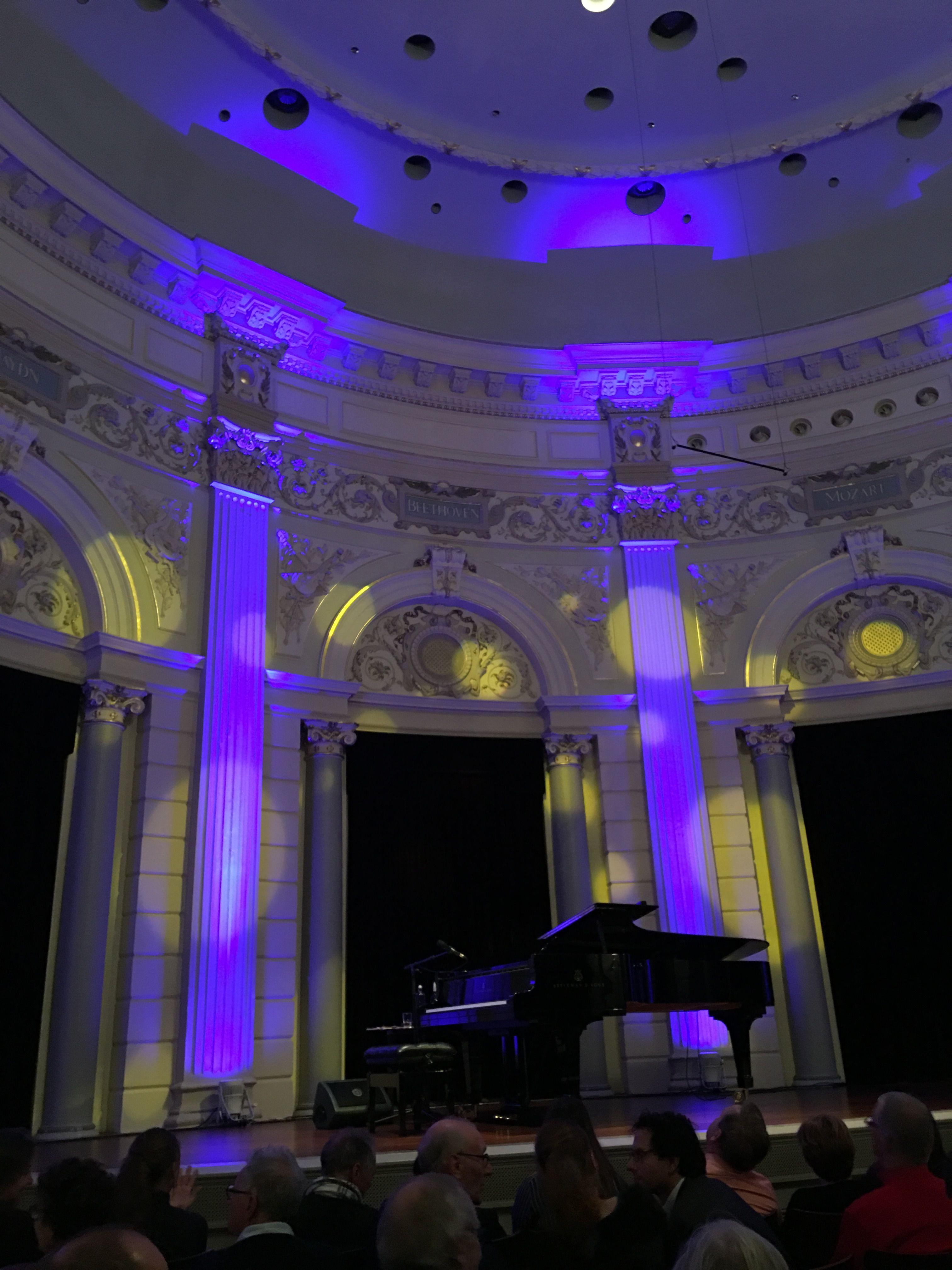 Juliette. Pauze. Concertgebouw.