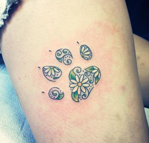 Paw Print by A.R.T. Graduate @oksanaweber Click for more floral tattoo inspiration.