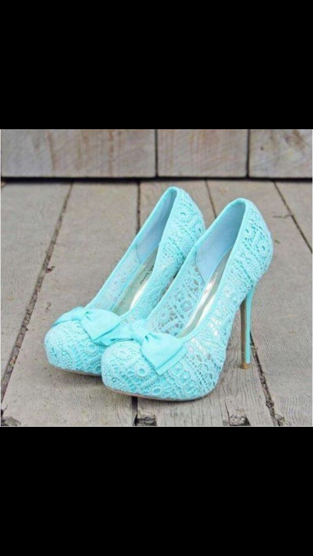 Aren't these just ADORABLE?!?!? Pair them with some black