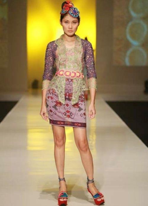 model baju batik modern wanita  Model dress batik modern terbaru