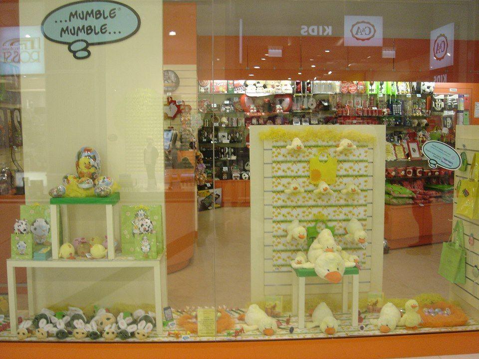La vetrina per la pasqua del nostro negozio di torino for Negozi di arredamento torino