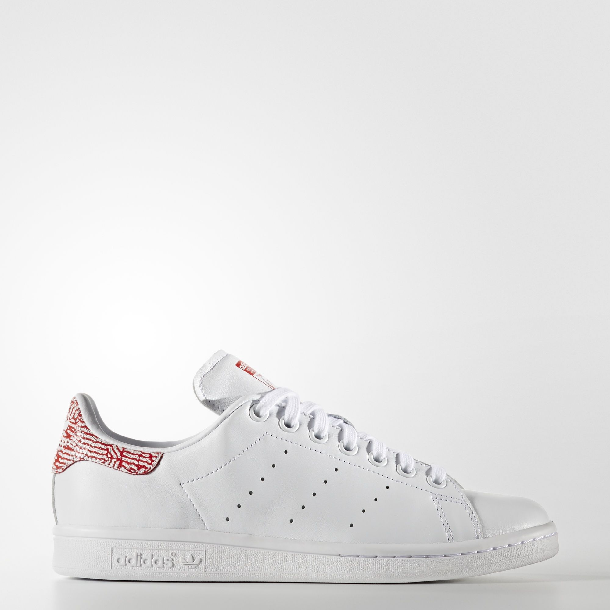 adidas - Stan Smith Shoes   SHOES.   Pinterest   Adidas stan smith ... 55d5199aee64