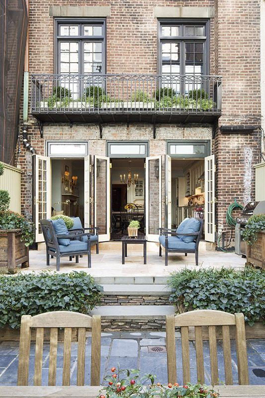 The Real Douglas Elliman S Lovely Ues Home Sells For 14 8m Townhouse Garden Spanish Colonial Homes New York Brownstone
