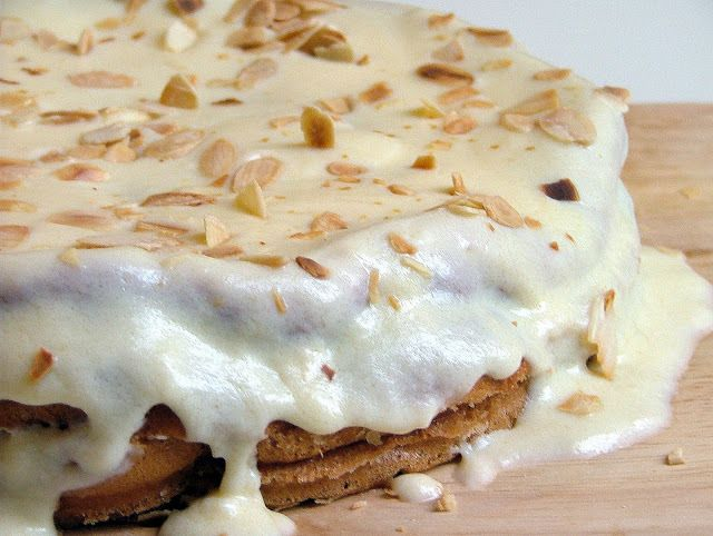 "Bolo Alemão / ""German Cake"" - http://www.mytaste.pt/r/bolo-alem%C3%A3o-german-cake-4813187.html"