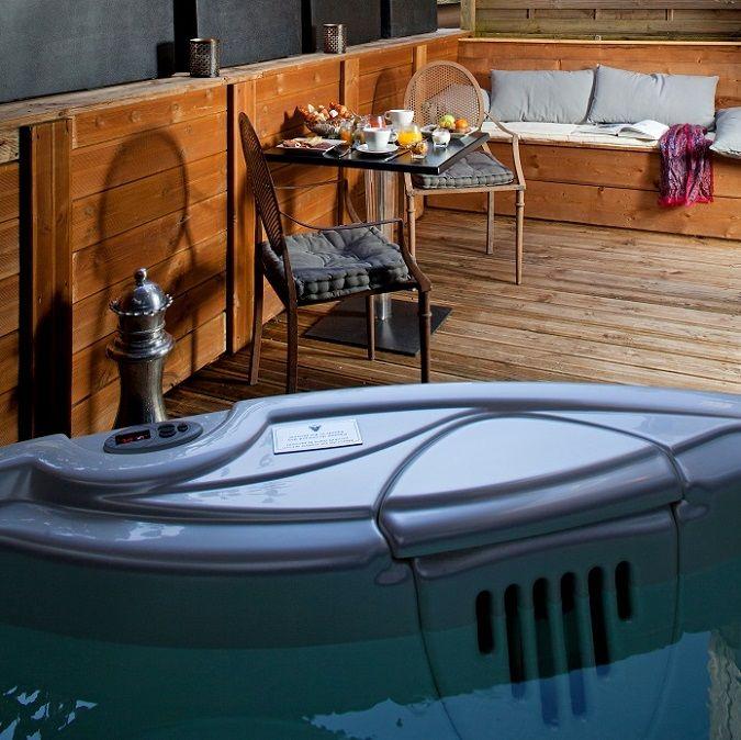 Le Boutique Hotel à Bordeaux In-room jacuzzi in France Pinterest