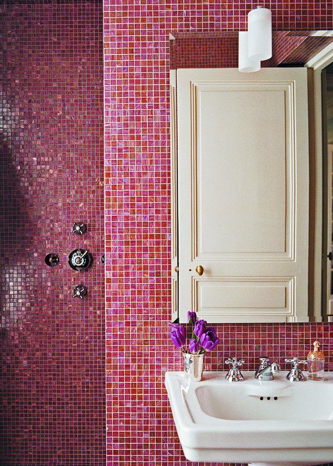 petite salle de bain rouge, rose et blanche à l\u0027ancienne - mosaïque