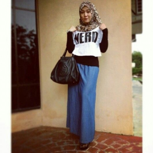 Photo credit to Shahilaamzah Own IG. Beautiful muslim...muslimah in hijab/hijabiers women fashion styles.  Hijab Is My Crown Fashion Is MyPassion  hijab / Arab fashion. Muslim / muslimah / ladies / women / styles fashion / fashionista. Love! Islam is beautiful