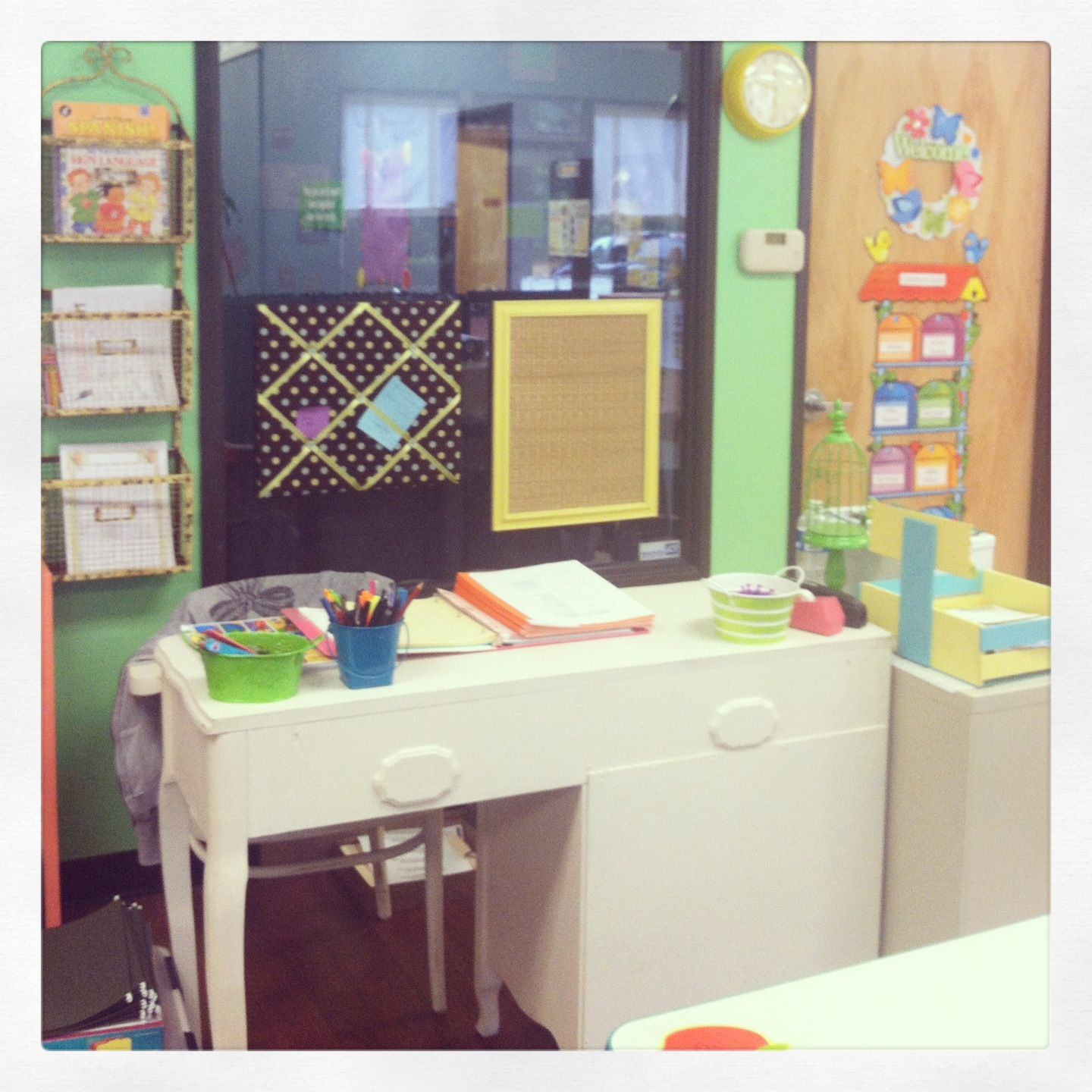 Pin By Brittany Clark On Classroom Ideas Shabby Chic Teacher Shabby Chic Classroom Shabby Chic Desk
