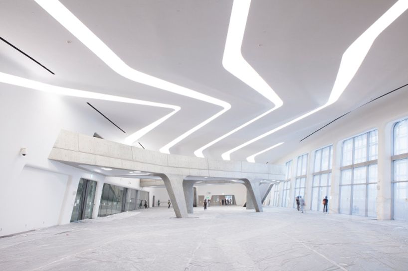 Dongdaemun Design Park Plaza By Zaha Hadid In Seoul Opens