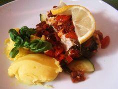 Lachs mit Gemüse und Kartoffelpüree