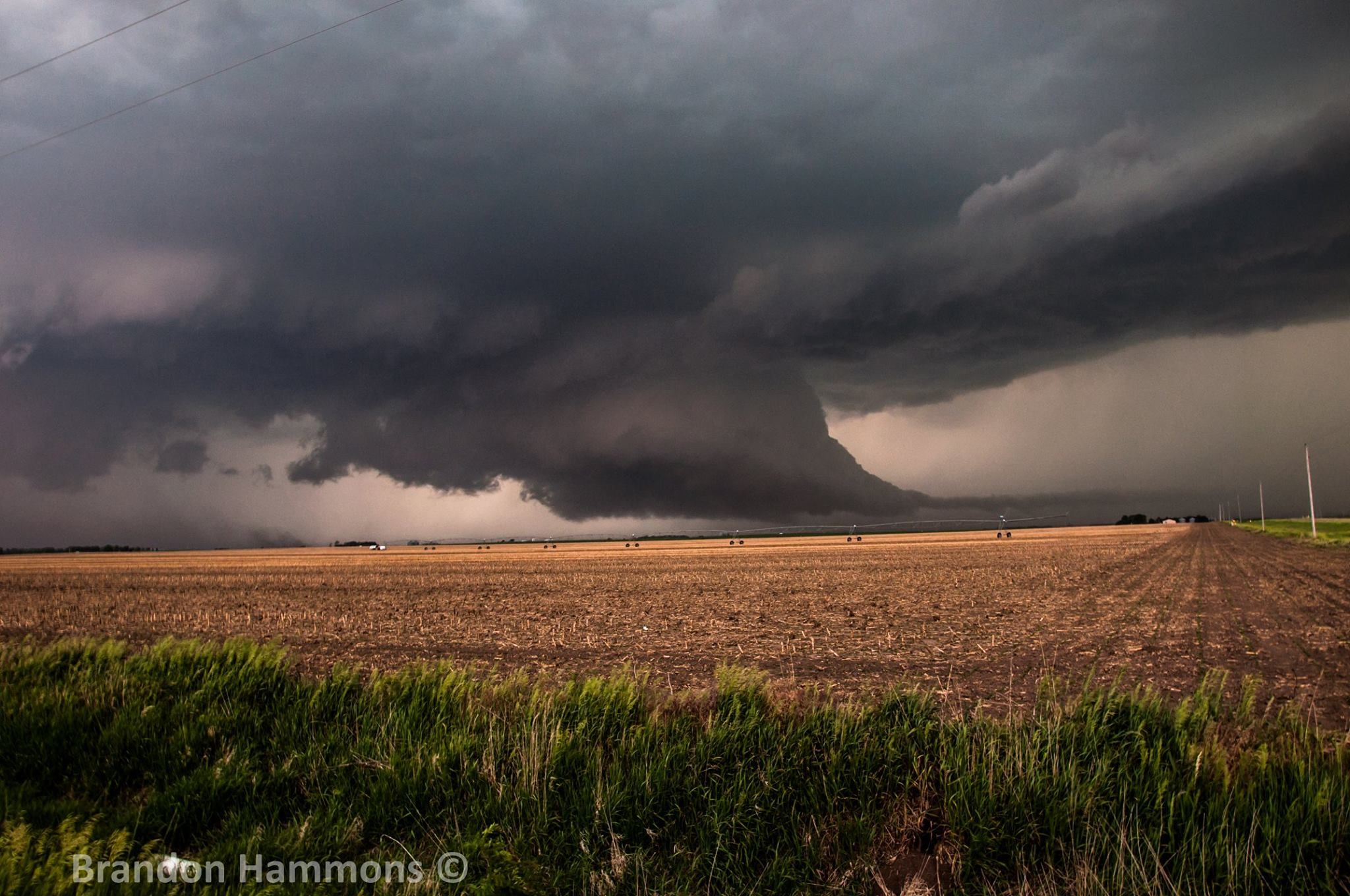 large wall cloud associated with this supercell storm on wall cloud id=34927