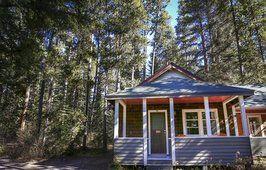 Cabin Cottage Directory Johnston Canyon Resort Banff Cabins Cottages Banff Cabins Johnston Canyon Resort Cabins