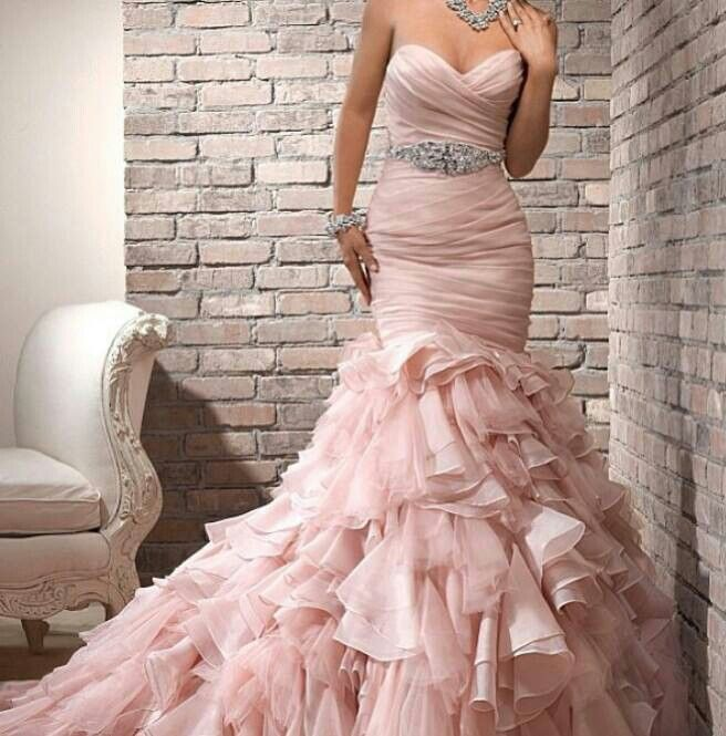"""Blush"" colored wedding dress...simply beautiful♥"