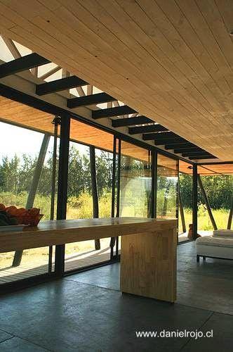Arquitectura de casas casa rural moderna de madera con forma alargada en chile arquitectura Casa rural moderna