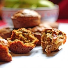 Apple and almond muffins made with spelt flour and agave syrup. Deliciously light and healthy