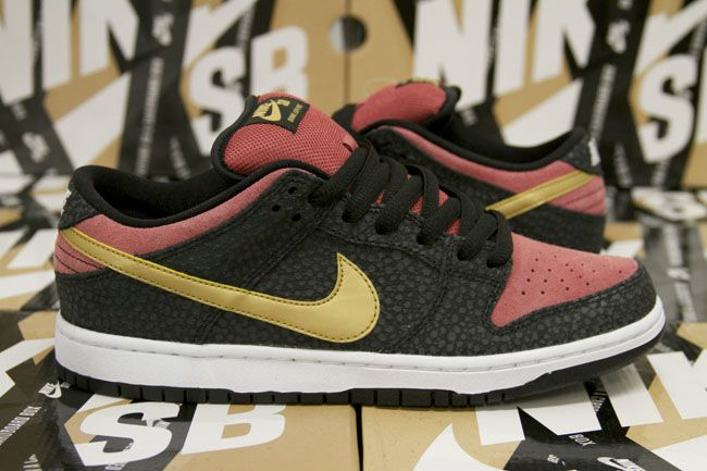 "Brooklyn Projects x Nike SB Dunk Low ""Walk of Fame"""