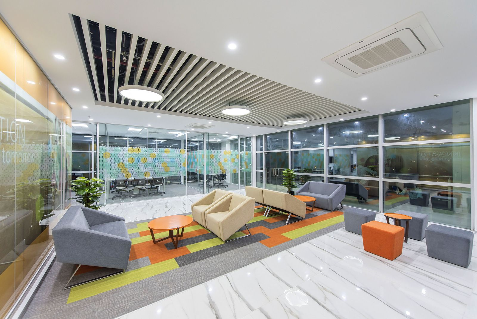 Office Tour Trelleborg Offices Bangalore Oficinas # Muebles Lacados Gaete
