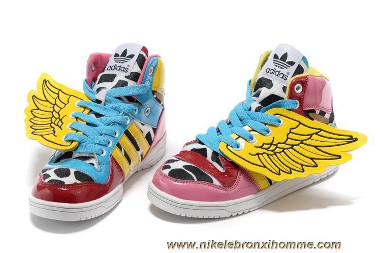 designer fashion 0c9dd 20a44 Kids Adidas Jeremy Scott 2NE1 Wings Chaussures Sortie