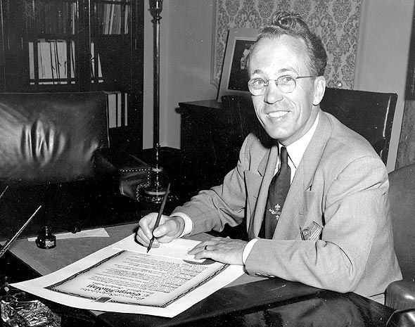 My Favorite Sports Essay Tommy Douglas Example Of Compare And Contrast Essay Topics also Essay On The Cask Of Amontillado Minister Politician Father Of Canadian Healthcare Tommy Douglas  Write A Essay About Myself