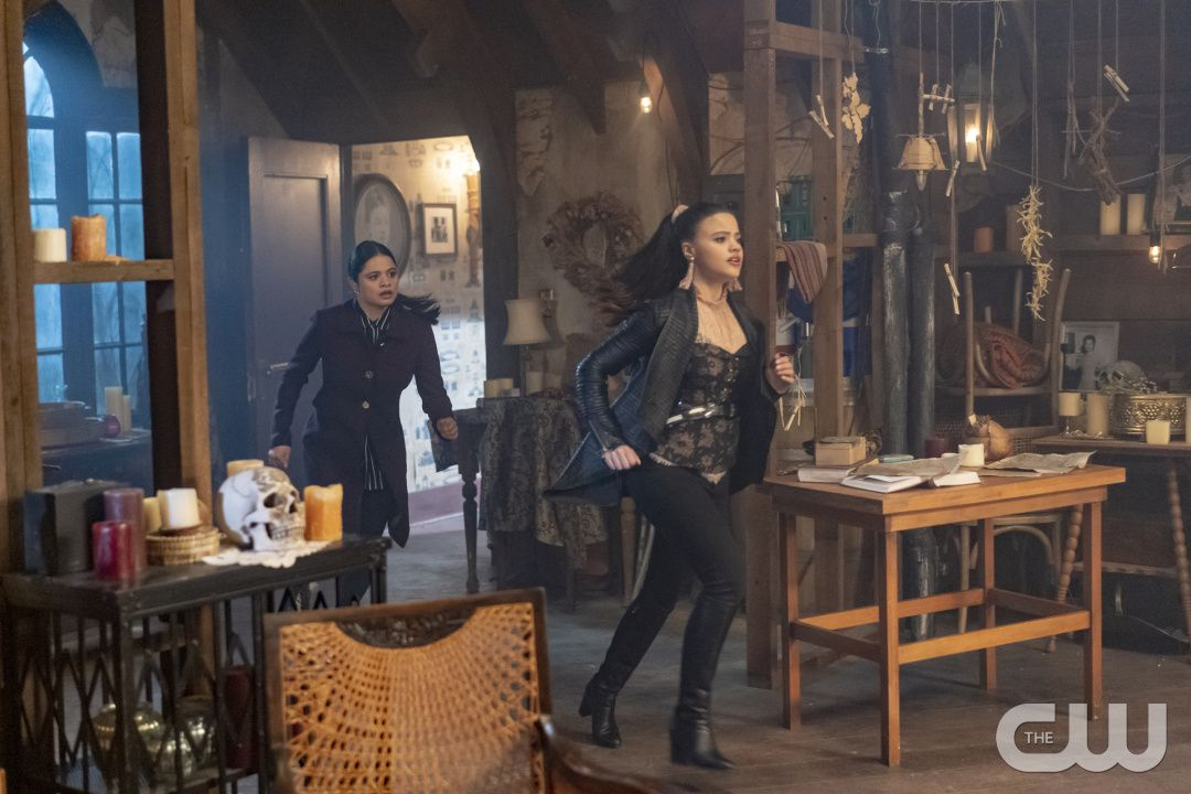 """Charmed 1x18 """"The Replacement"""" Mel and Maggie Charmed"""