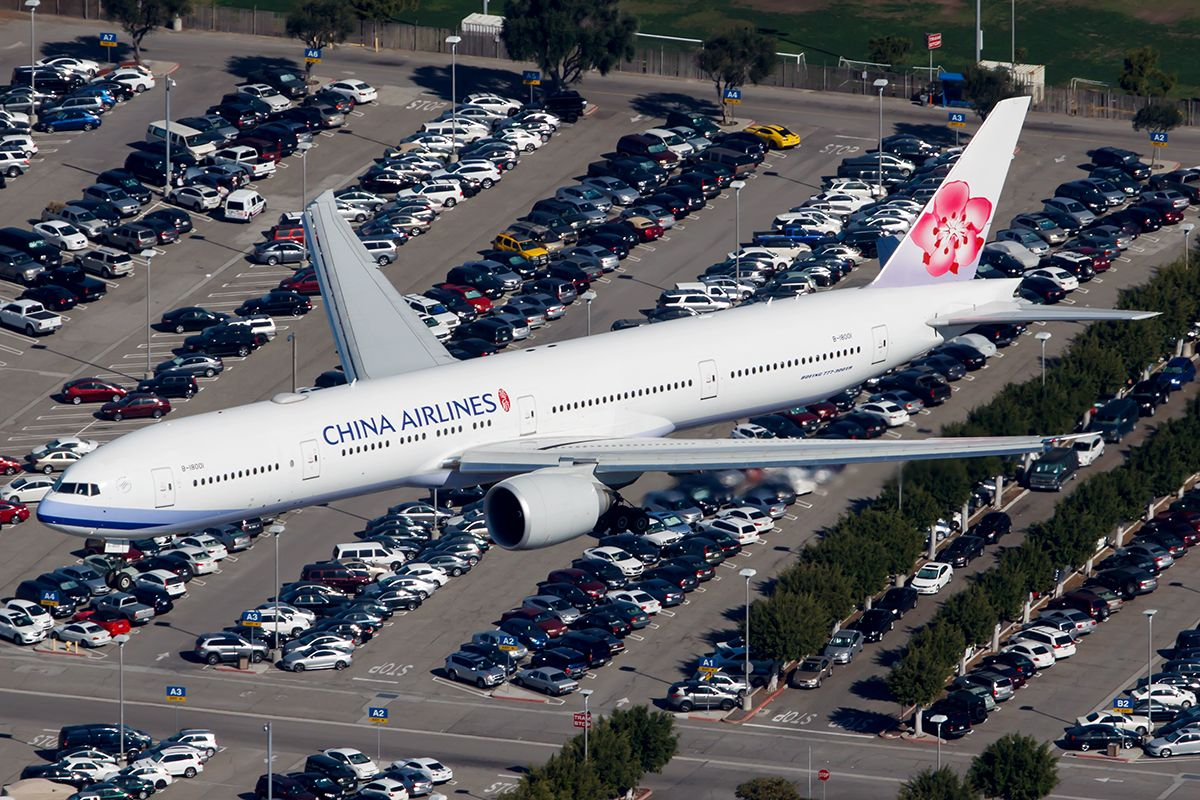 Boeing 77736N/ER China Airlines Aviation Photo