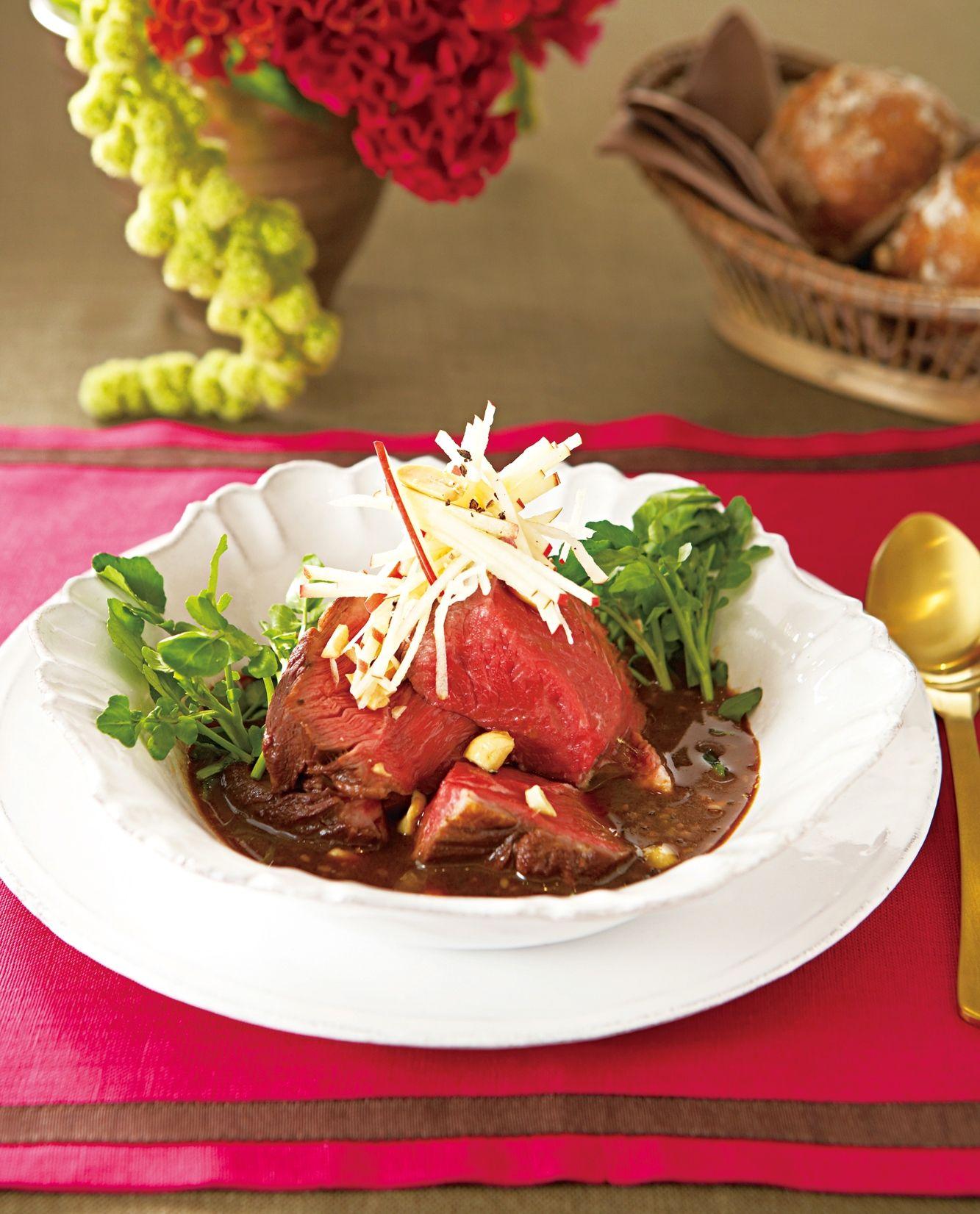 アメリカン・ビーフ 焼き肉のたれ煮 リンゴとナッツのトッピング