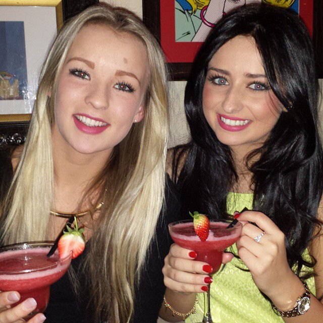 Love my girl  #tbt #throwbackthursday #blonde #brunette #bestfriends #girls #love #cocktails @amylauren1