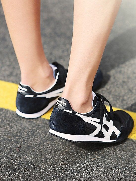 new products 7e4d3 8b09c Onitsuka Tiger Serrano: Black/White … | Shoes in 2019 ...