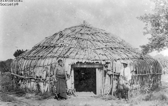 Photo Essay of the different types of Native American houses