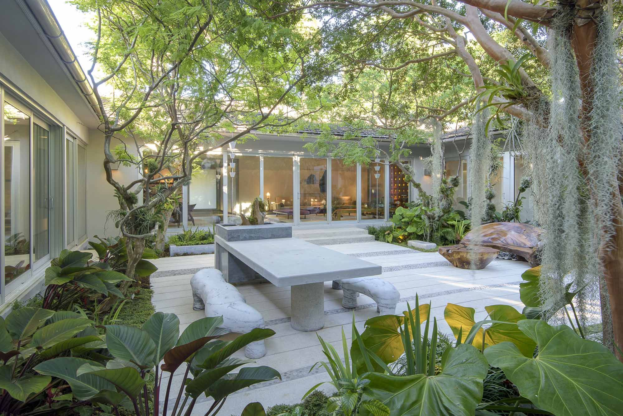 raymond jungles / residential garden, miami beach | Landscape ...