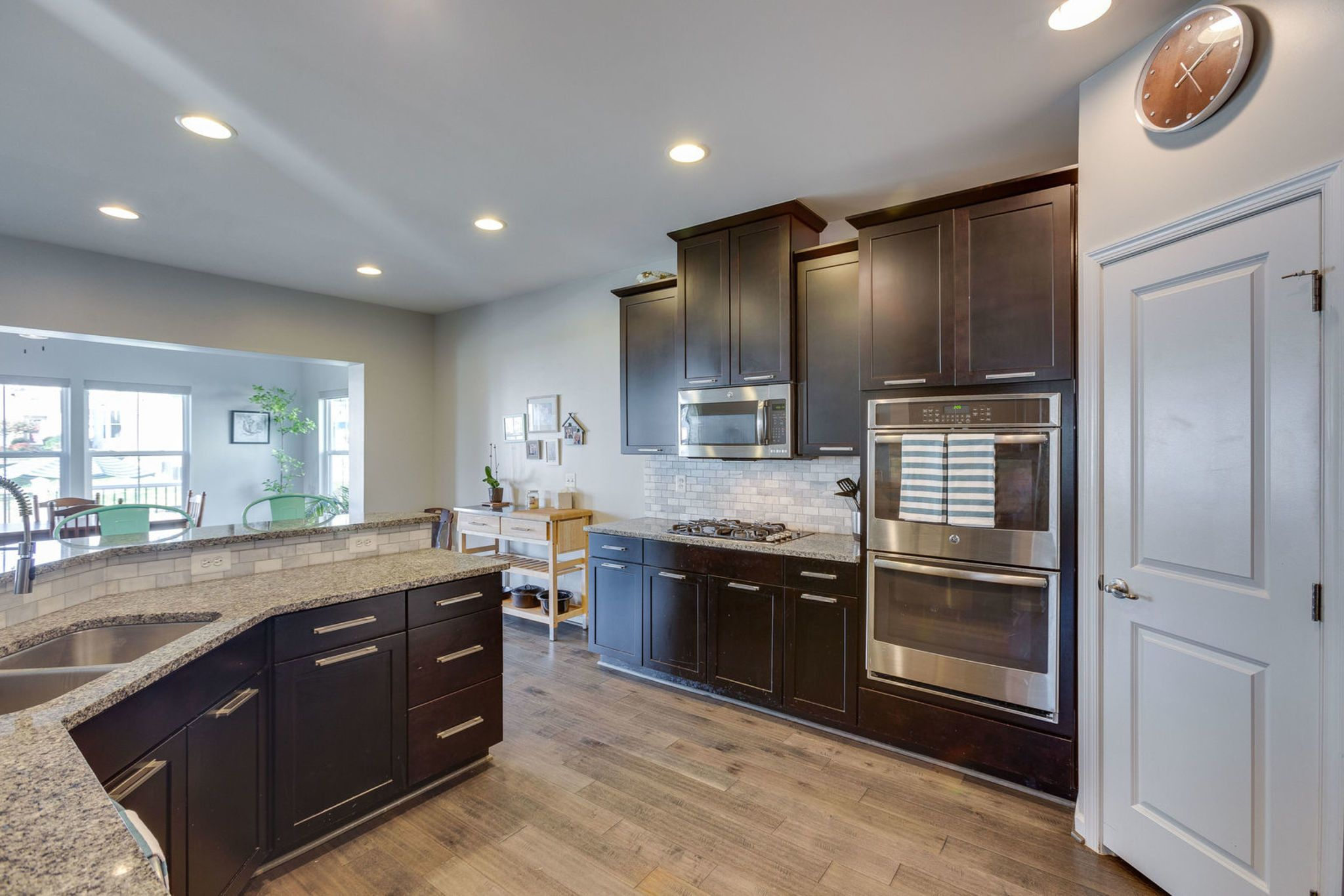 5 Tips To Update Your Kitchen Alexandria Va Homes For Sale Laminate Cabinets Updated Kitchen Kitchen