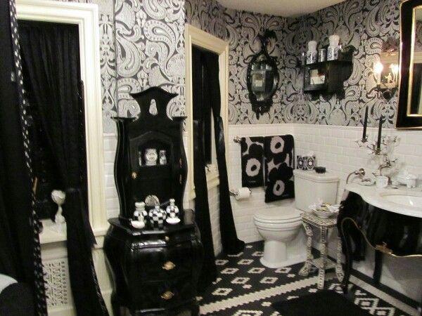 27 gothic bathrooms and design ideas part 1 home gothic bathroom home decor goth home decor. Black Bedroom Furniture Sets. Home Design Ideas