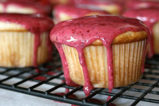 berry marscapone cupcakes