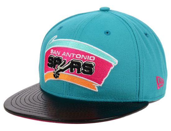 9921431fb9e0b San Antonio Spurs Leather Viz 9Fifty Snapback Cap by NBA x NEW ERA Gorras