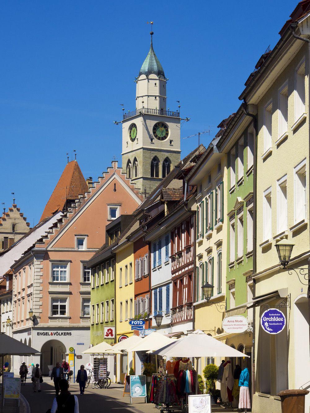Der Turm Des Munster St Nikolaus Von Uberlingen Im Hintergrund