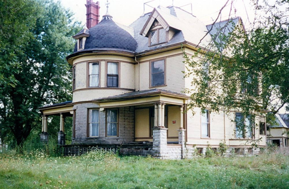 Garden Grove Iowa Went Into This House When I Was A Child It Is Amazing Inside Victorian Homes Garden Grove House