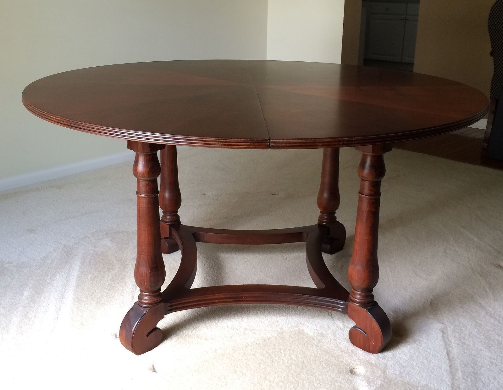 "ETHAN ALLEN British Classics 56""Round Dining Table w 20"" Leaf"