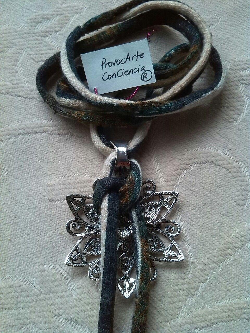 """Colgante/Collar """"FlorTweed"""". Ajustable para lucir como gargantilla o colgante largo, desplazando la flor por el cordón. Consultas y pedidos: provocarteconciencia@gmail.com Web:..."""