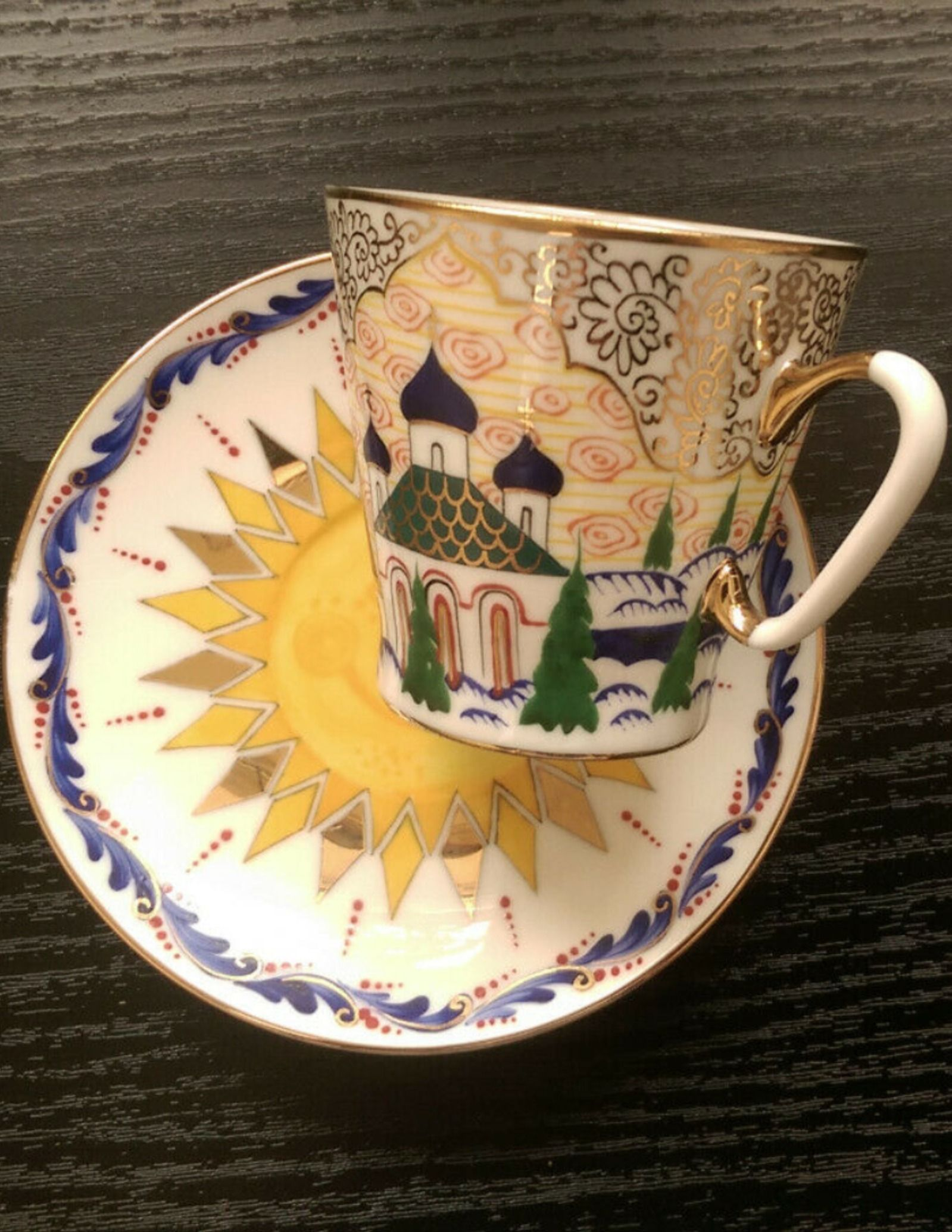 Unique Collectable Imperial Lomonosov Cup And Saucer Hand Painted Real Gold In 2020 Tea Cups Vintage Cup Unique Collectibles
