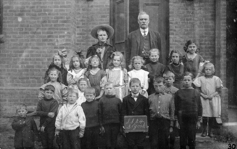 Mr Harper's class at Willowdale School - 1910