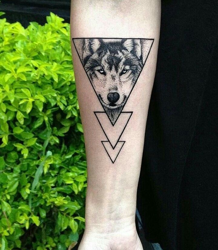 Geometrico Tatuaje Lobo Triangulo
