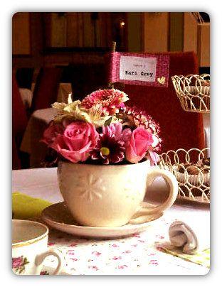 Google Image Result for http://alphadesignco.com/wp-content/uploads/2012/03/Afternoon-Tea-Centrepiece.jpg
