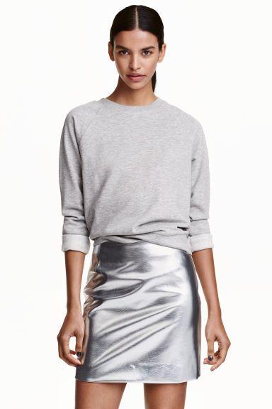 ca8482721 Minifalda   Looks Like   Faldas de cuero negras, Looks con falda y ...