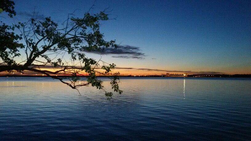 Por do sol na cidade de Salto no Uruguai.