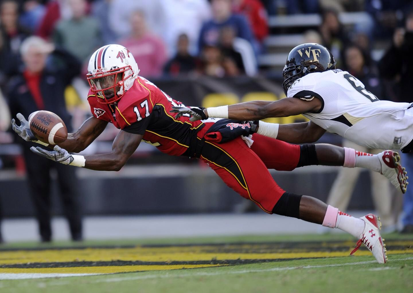 Maryland Terrapins Look At The Eyes And Hand Coordination American Football Maryland Terrapins Photo
