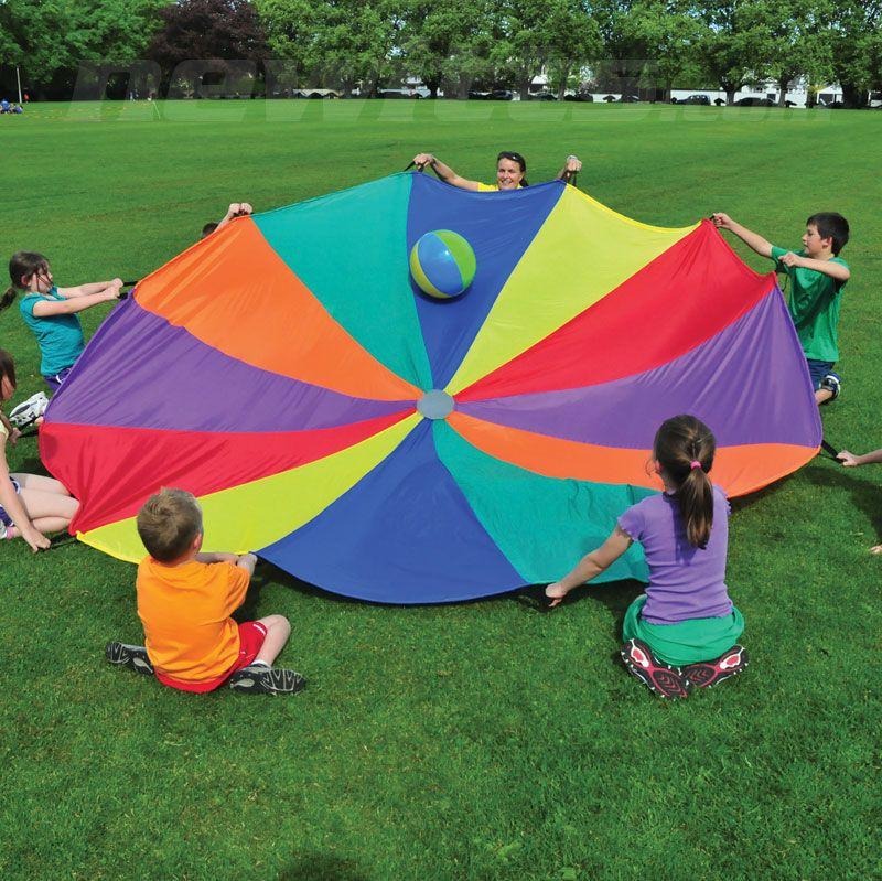 rainbow parachute play お題の色にボールを寄せるとか色々出来ますね。