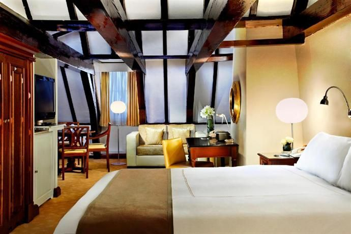 Hotel Deal Checker: Hotel Pulitzer a Luxury Collection Hotel