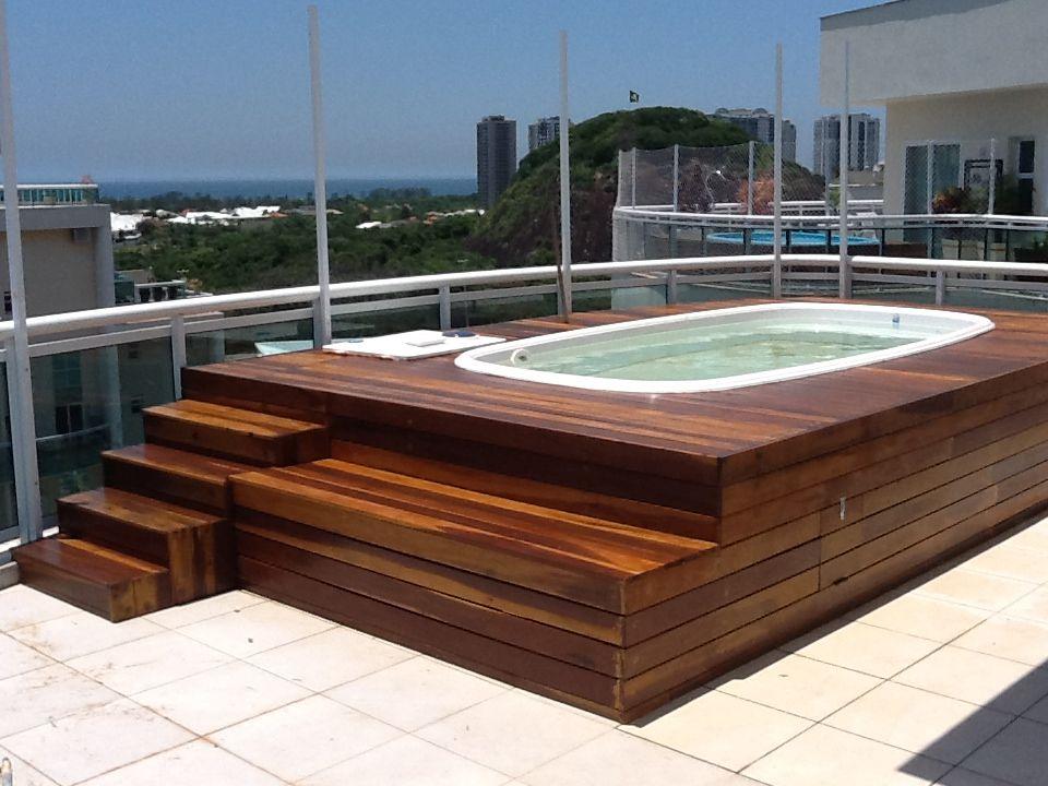 Deck de madeira backyard - Jacuzzi piscina exterior ...