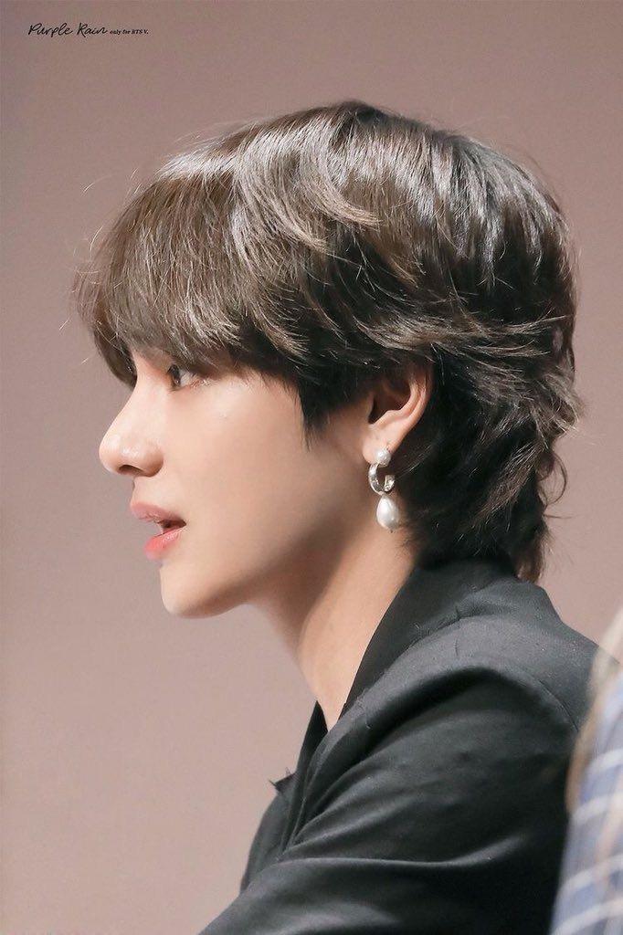 Taehyung Long Hair Tumblr In 2020 Bts Taehyung Taehyung Long Hair Styles